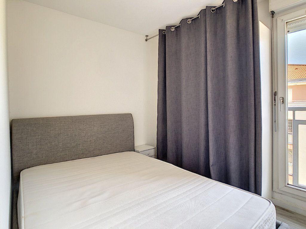 Appartement à louer 2 25.55m2 à Golfe Juan - Vallauris vignette-8