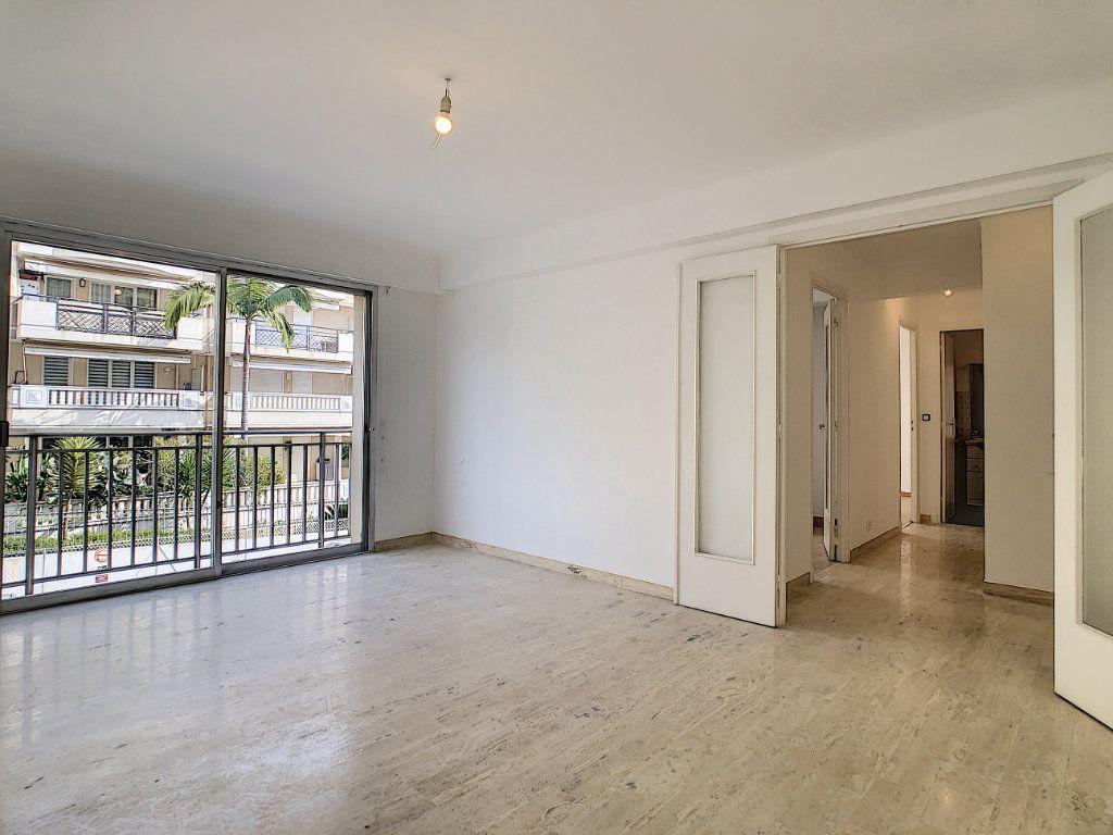 Appartement à louer 2 51m2 à Golfe Juan - Vallauris vignette-1