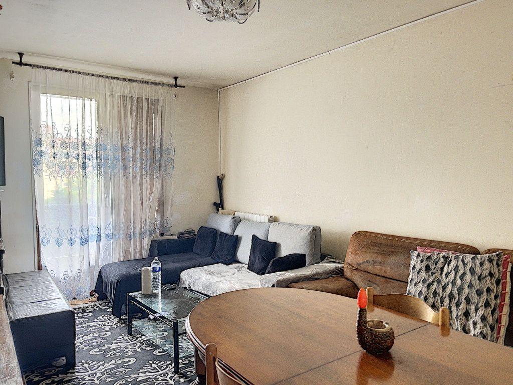 Appartement à vendre 2 54m2 à Vallauris vignette-1