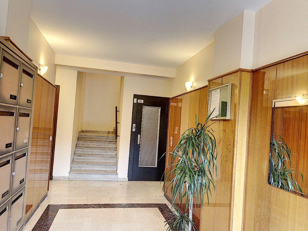 Appartement à vendre 2 54m2 à Vallauris vignette-2