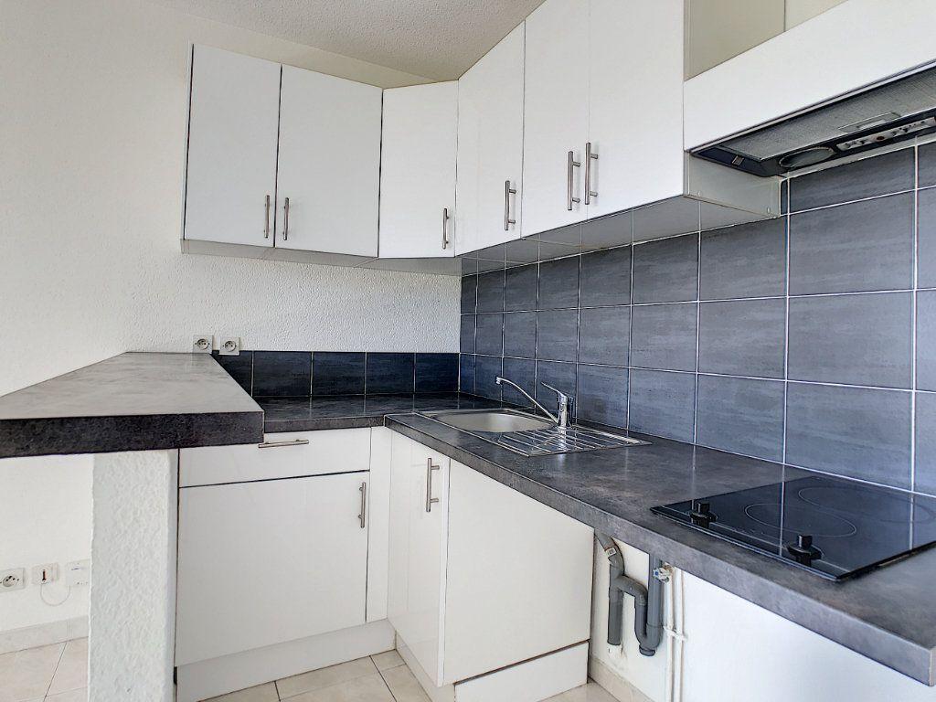 Appartement à louer 1 28m2 à Golfe Juan - Vallauris vignette-2