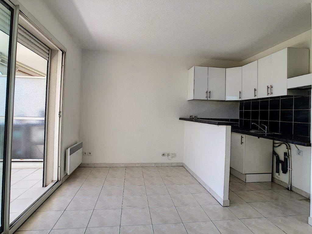 Appartement à louer 1 28m2 à Golfe Juan - Vallauris vignette-4
