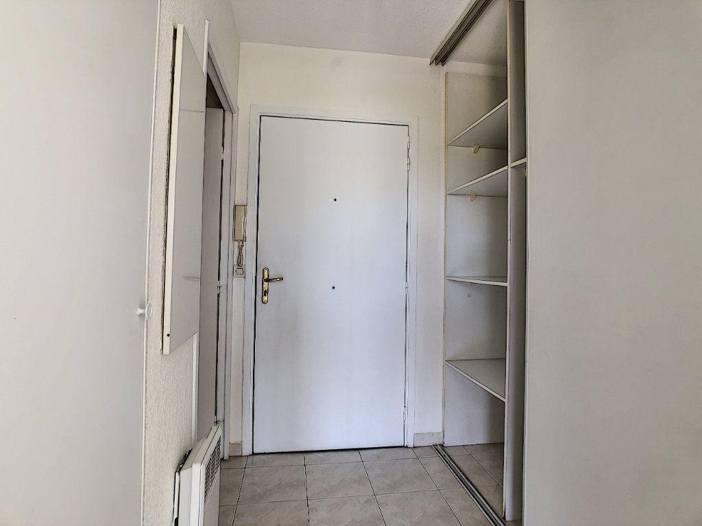 Appartement à louer 1 28m2 à Golfe Juan - Vallauris vignette-5