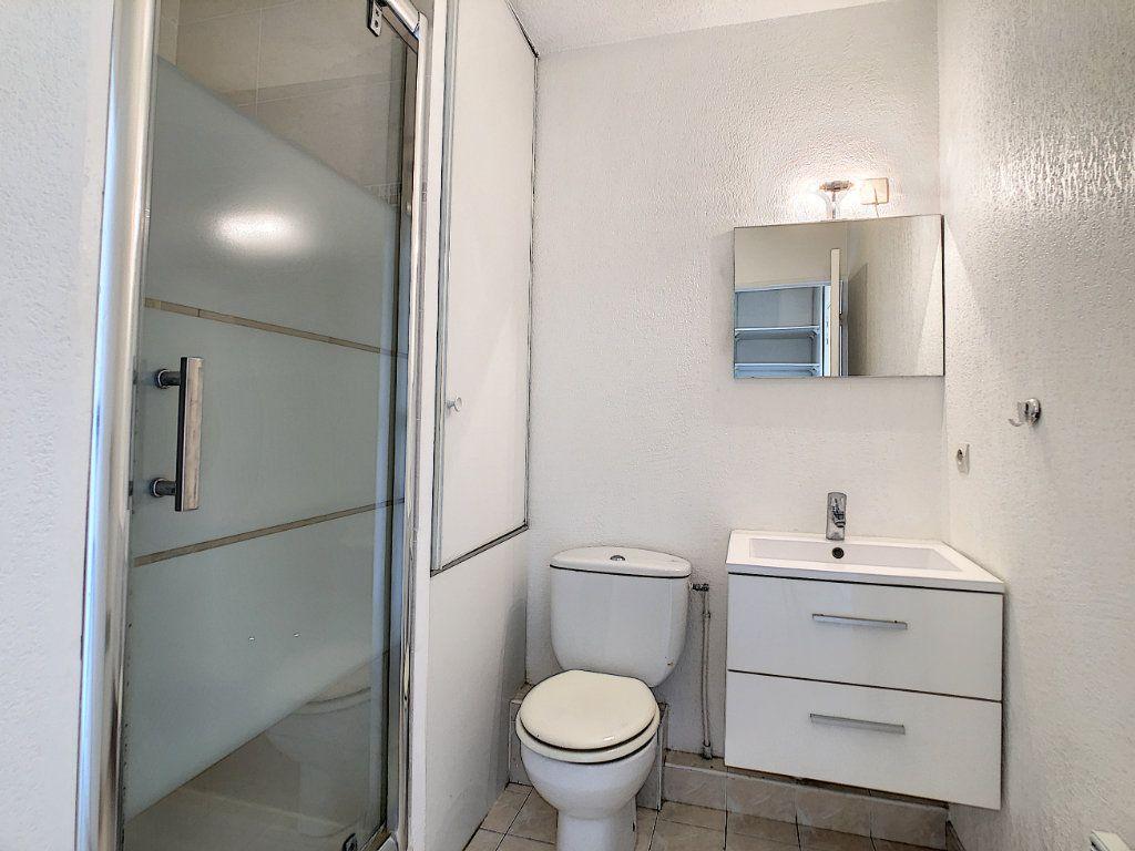 Appartement à louer 1 28m2 à Golfe Juan - Vallauris vignette-6