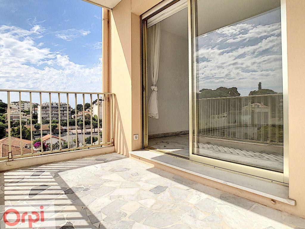 Appartement à louer 3 60.48m2 à Antibes vignette-1