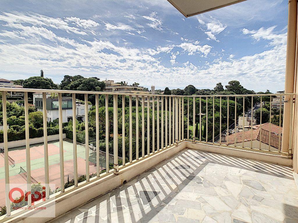 Appartement à louer 3 60.48m2 à Antibes vignette-5