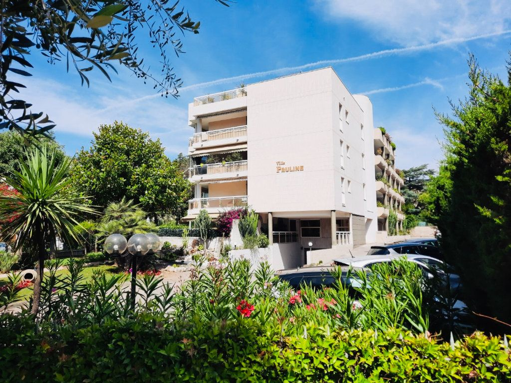 Appartement à vendre 3 70m2 à Golfe Juan - Vallauris vignette-2