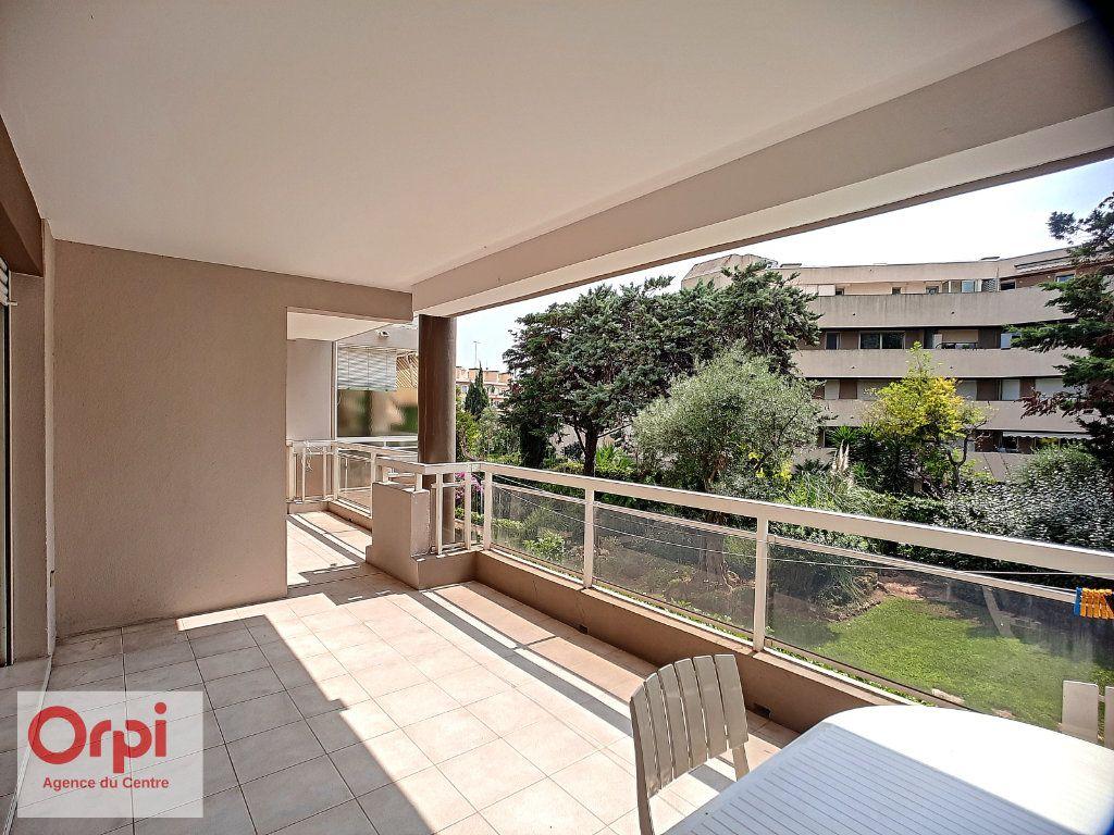 Appartement à vendre 3 70m2 à Golfe Juan - Vallauris vignette-6