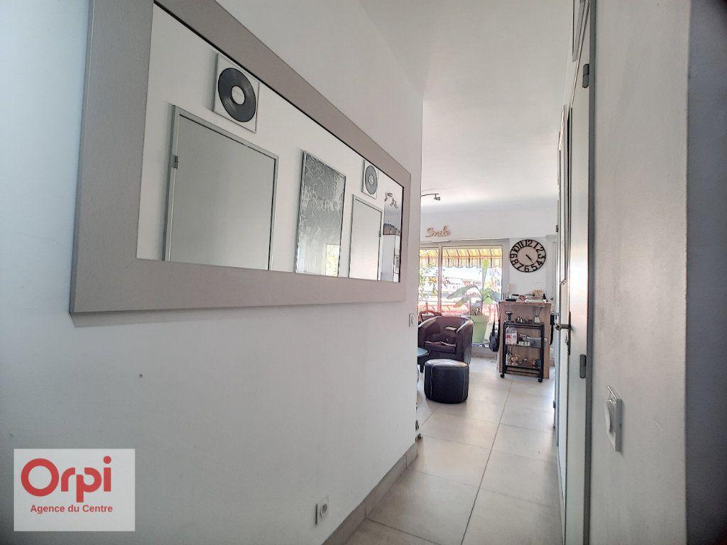 Appartement à vendre 2 37m2 à Golfe Juan - Vallauris vignette-5