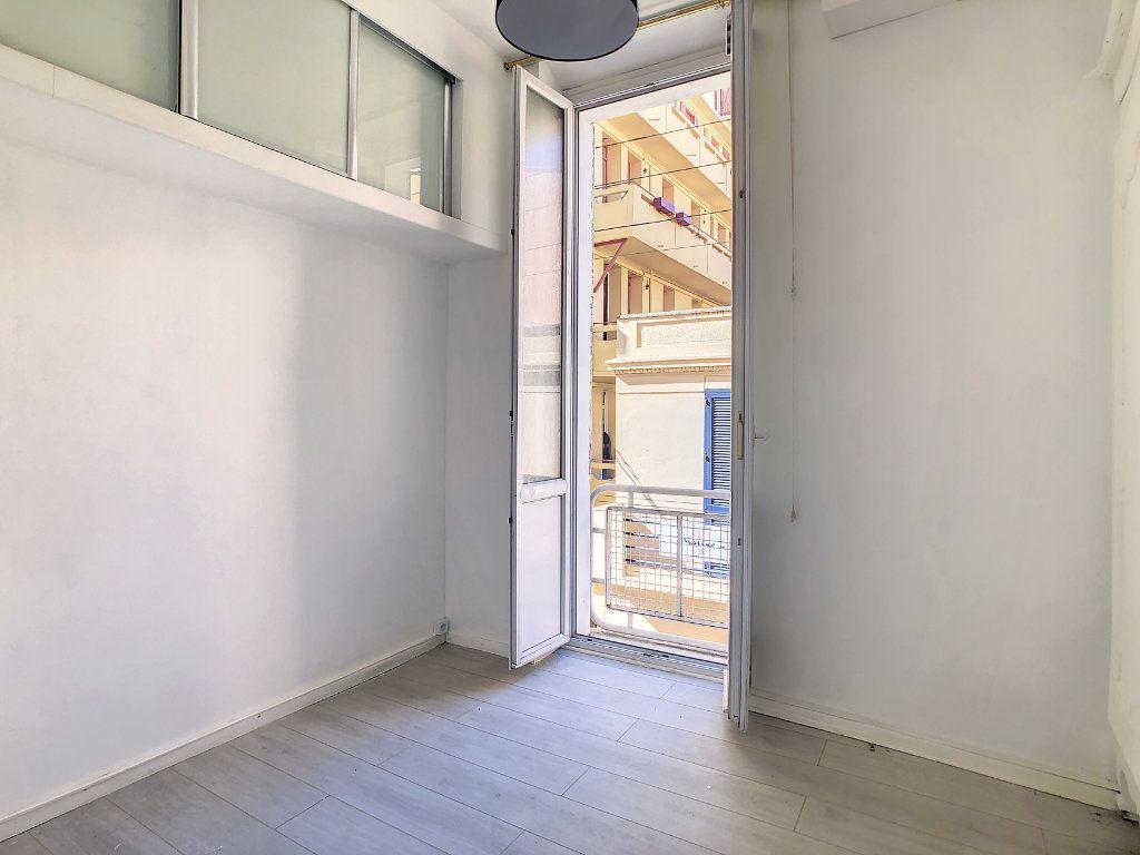 Appartement à louer 2 39.54m2 à Golfe Juan - Vallauris vignette-7