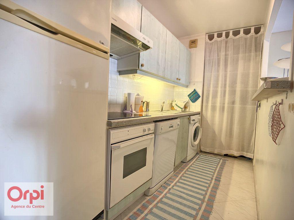 Appartement à vendre 3 70m2 à Golfe Juan - Vallauris vignette-4