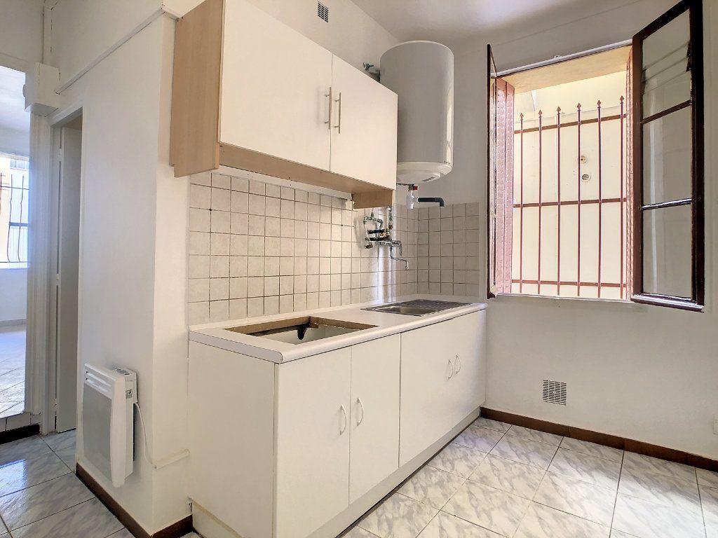 Appartement à louer 1 24.84m2 à Golfe Juan - Vallauris vignette-4