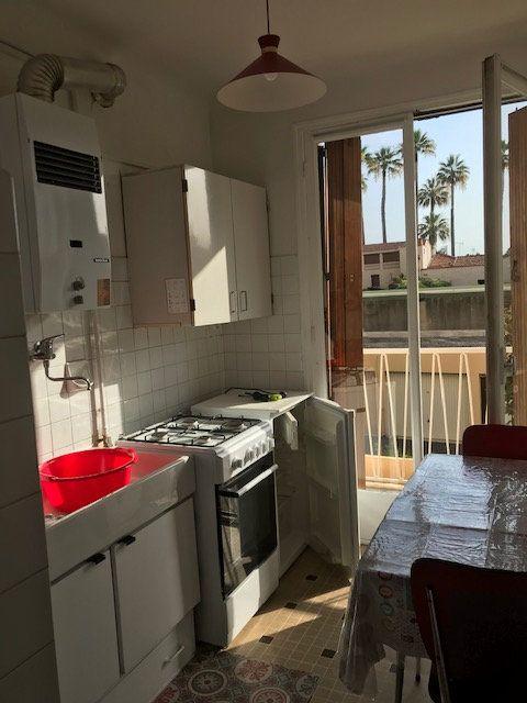 Appartement à louer 2 41.16m2 à Golfe Juan - Vallauris vignette-4