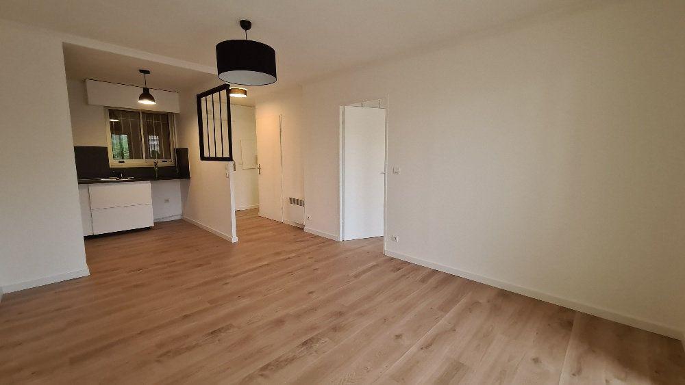 Appartement à louer 2 40.77m2 à Le Cannet vignette-3