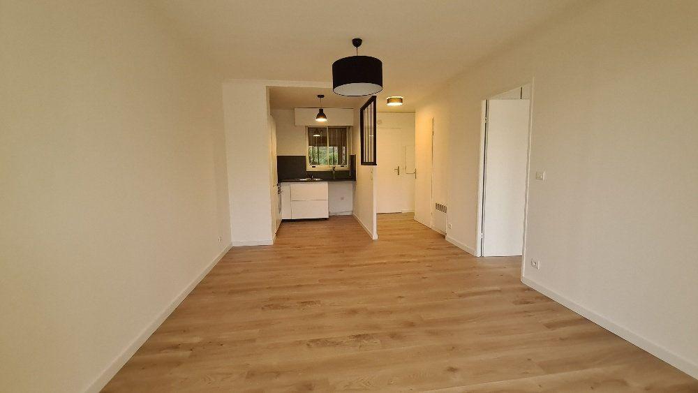 Appartement à louer 2 40.77m2 à Le Cannet vignette-4