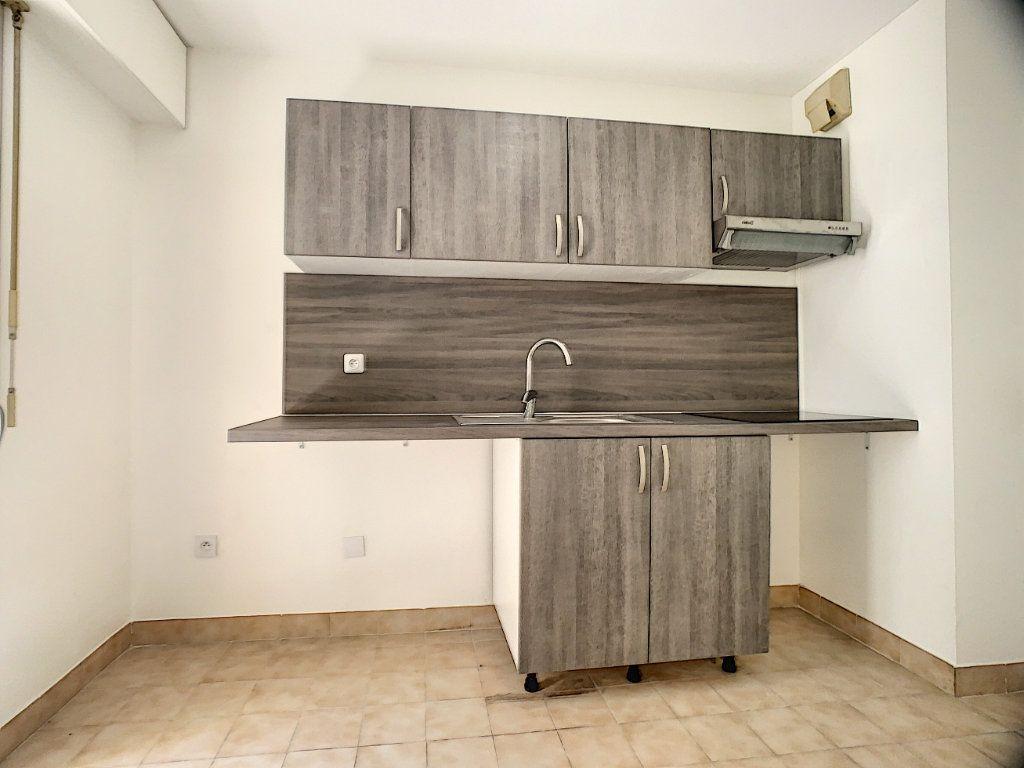 Appartement à louer 2 45.05m2 à Le Cannet vignette-3