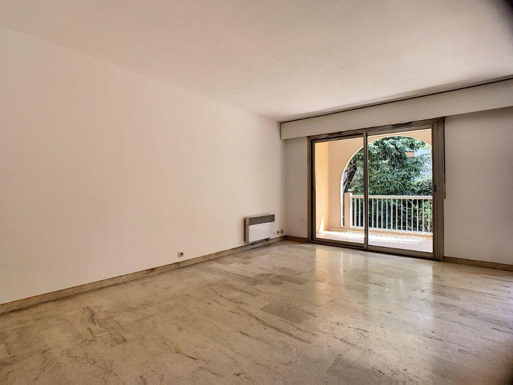 Appartement à louer 2 45.05m2 à Le Cannet vignette-5