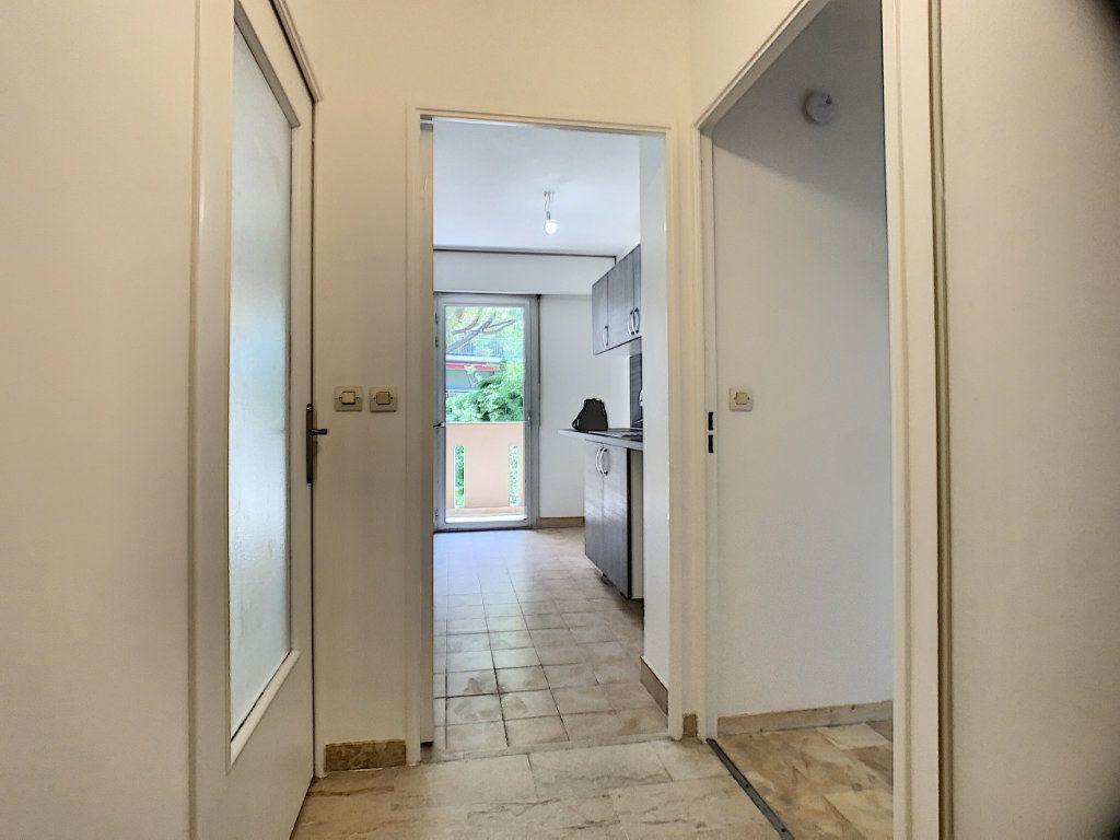 Appartement à louer 2 45.05m2 à Le Cannet vignette-6