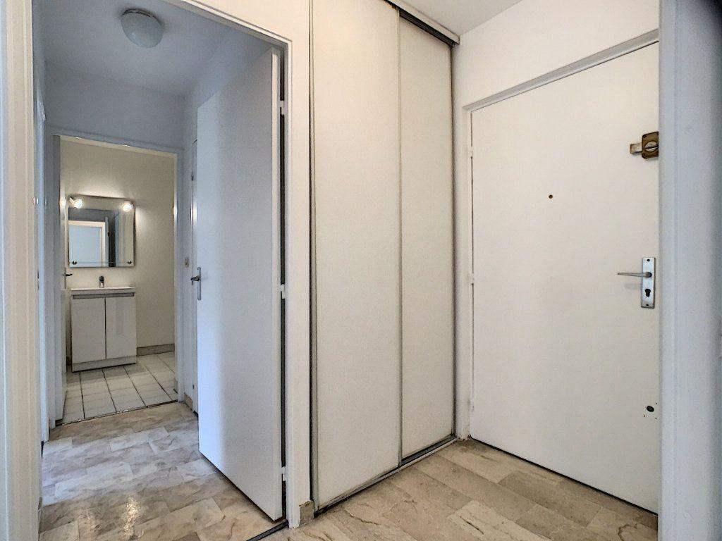 Appartement à louer 2 45.05m2 à Le Cannet vignette-10