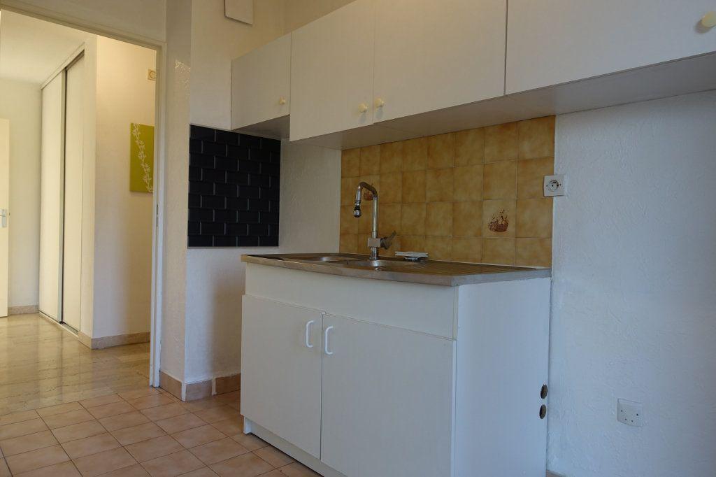 Appartement à louer 3 64.09m2 à Le Cannet vignette-5