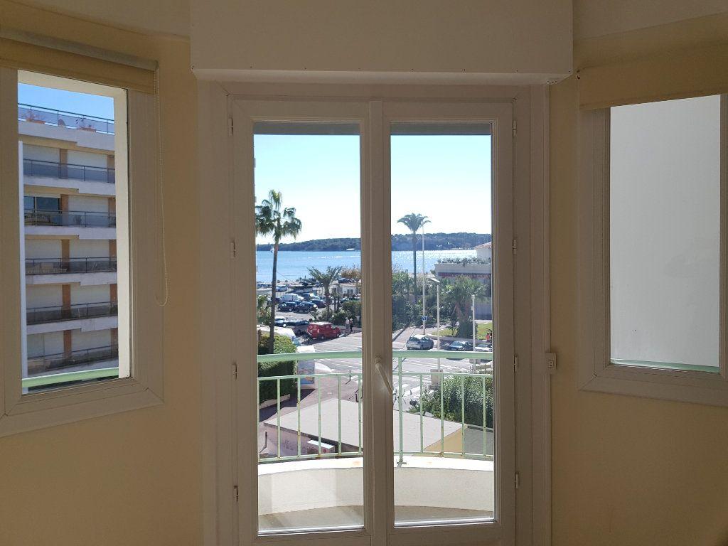 Appartement à louer 1 35m2 à Cannes vignette-7