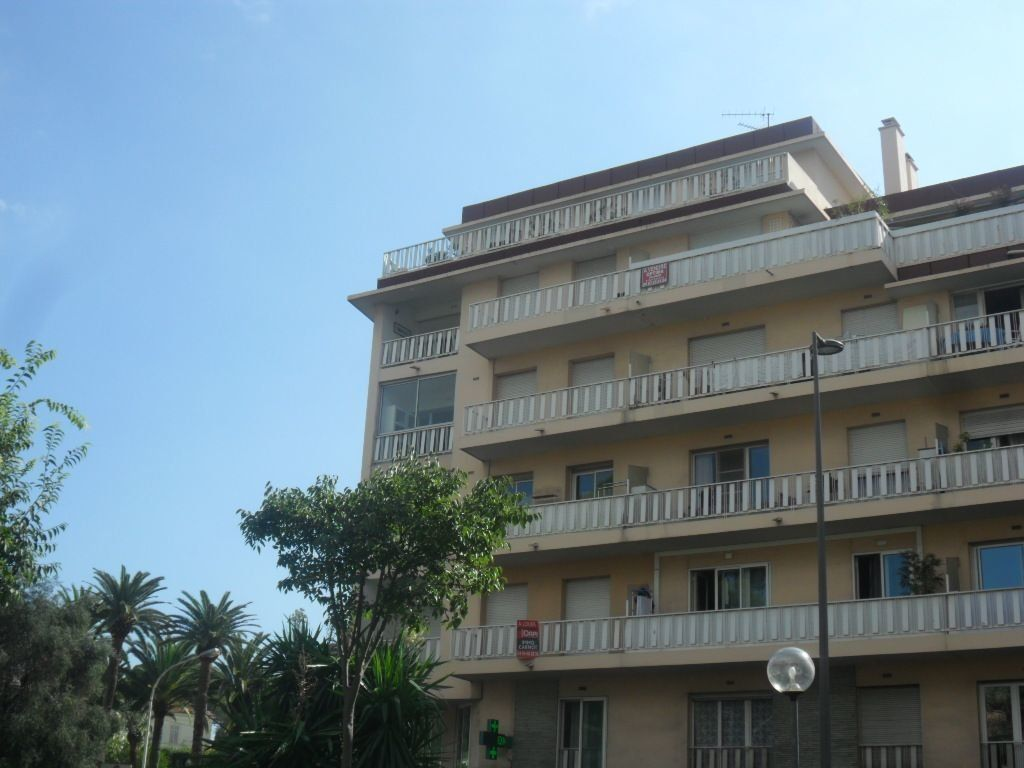 Appartement à louer 3 72m2 à Cannes vignette-3