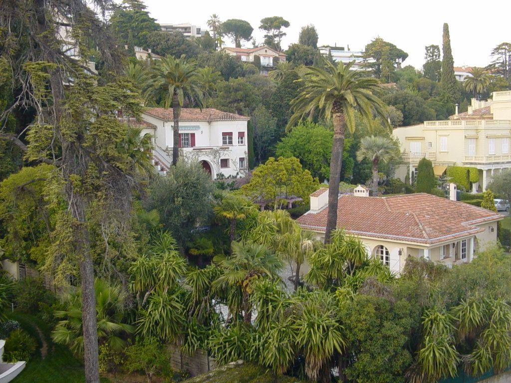 Appartement à louer 4 81.28m2 à Cannes vignette-9