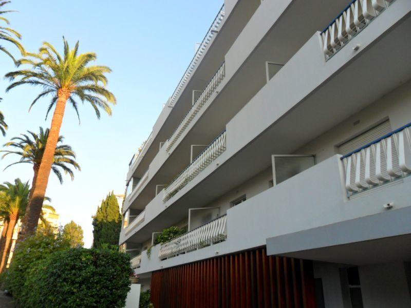Appartement à louer 2 42.55m2 à Cannes vignette-1