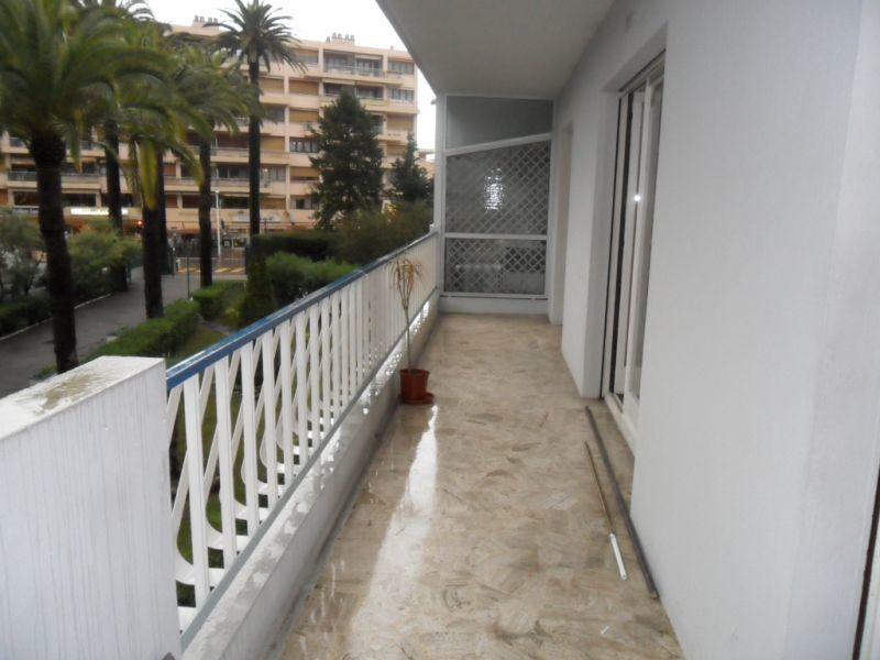 Appartement à louer 2 42.55m2 à Cannes vignette-2