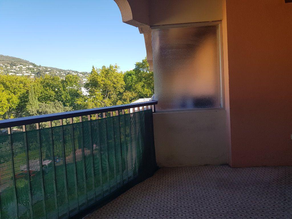 Appartement à louer 1 27.49m2 à Mandelieu-la-Napoule vignette-4
