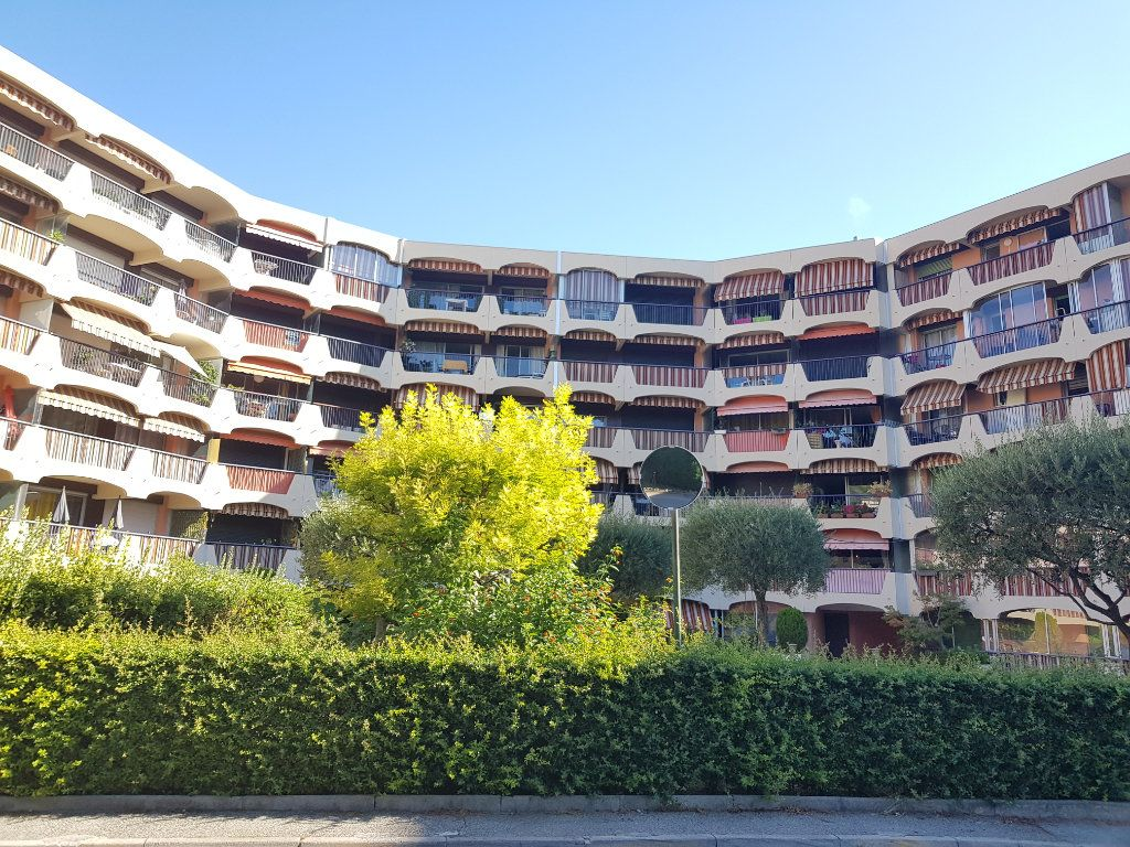 Appartement à louer 1 27.49m2 à Mandelieu-la-Napoule vignette-5