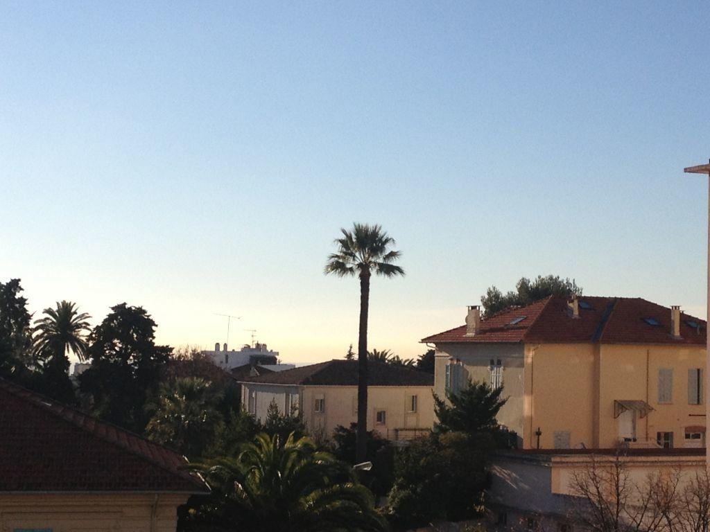 Appartement à louer 3 67.6m2 à Cannes vignette-2