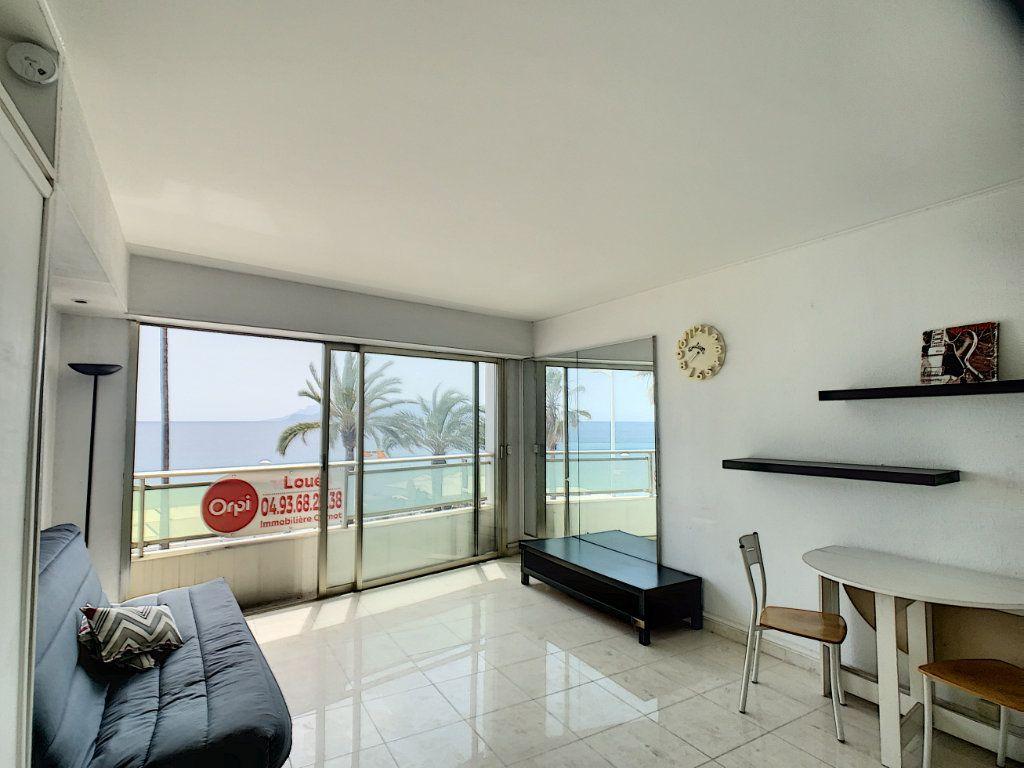 Appartement à louer 1 30.16m2 à Cannes vignette-2