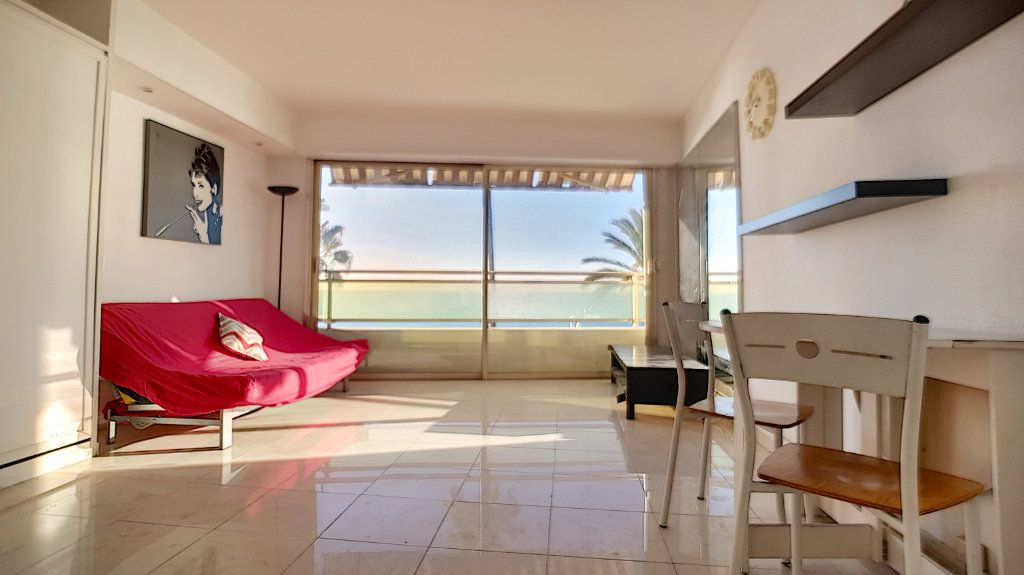 Appartement à louer 1 30.16m2 à Cannes vignette-4