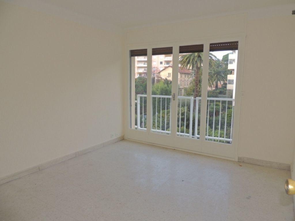 Appartement à louer 2 46.59m2 à Cannes vignette-6