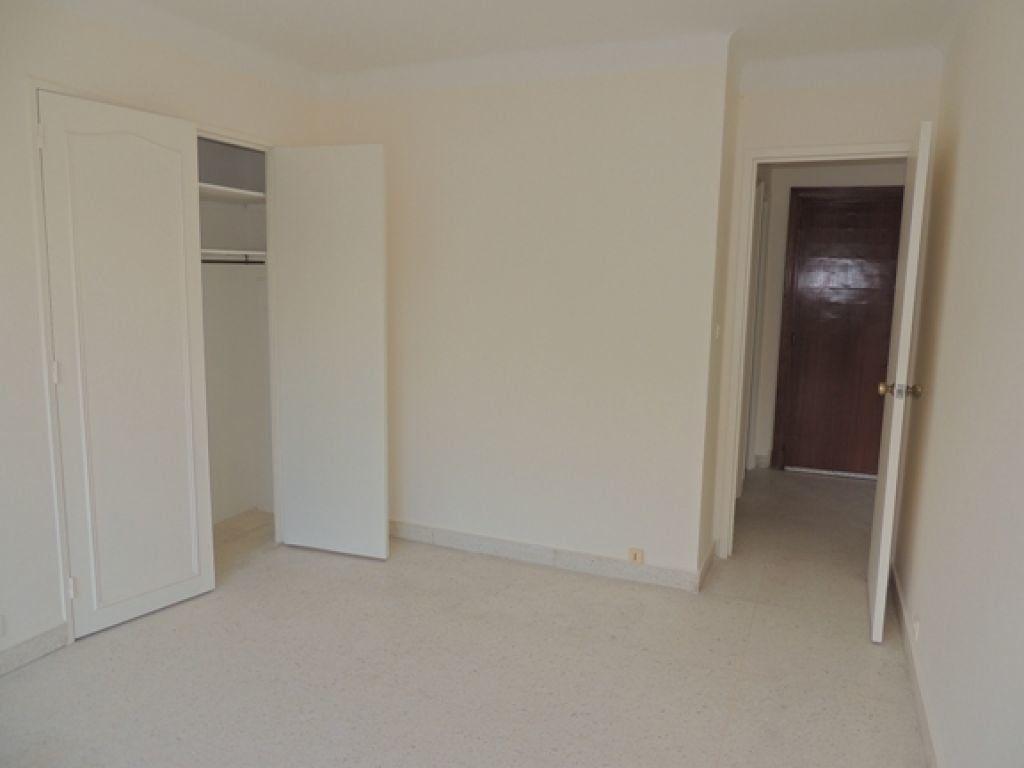 Appartement à louer 2 46.59m2 à Cannes vignette-8