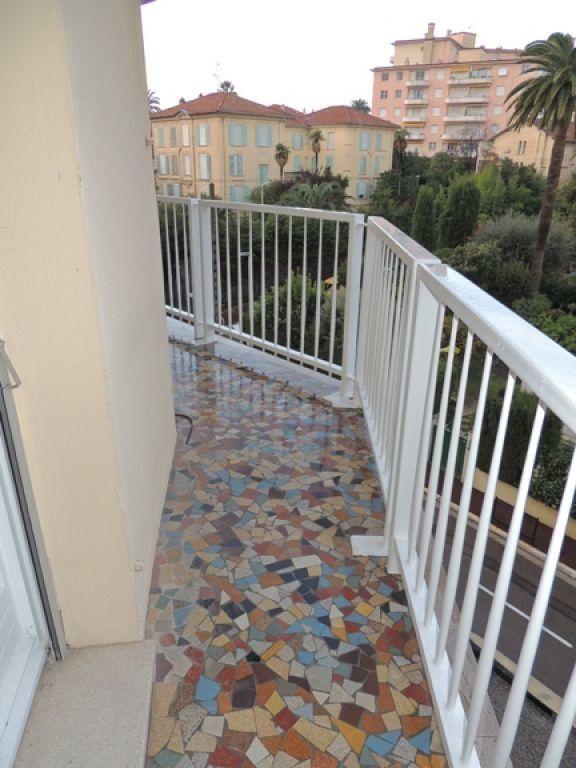 Appartement à louer 2 46.59m2 à Cannes vignette-9