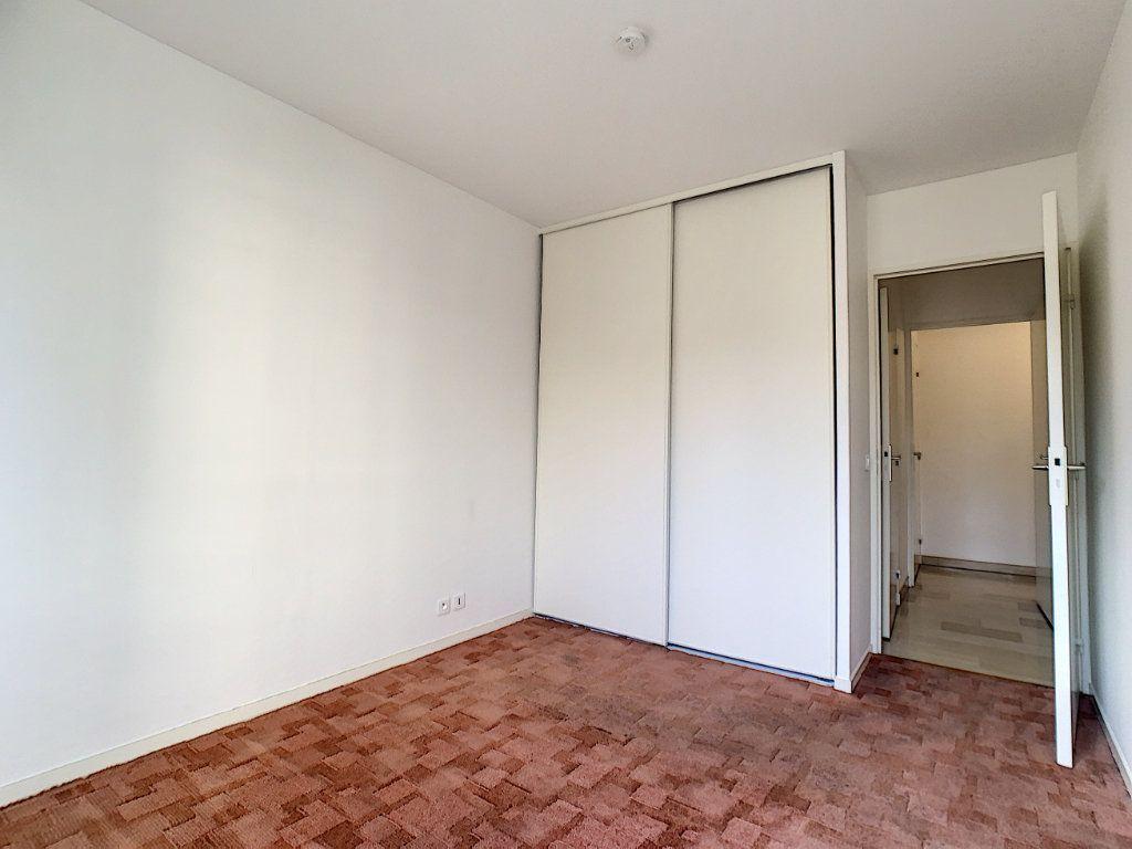 Appartement à louer 2 45.97m2 à Cannes vignette-6