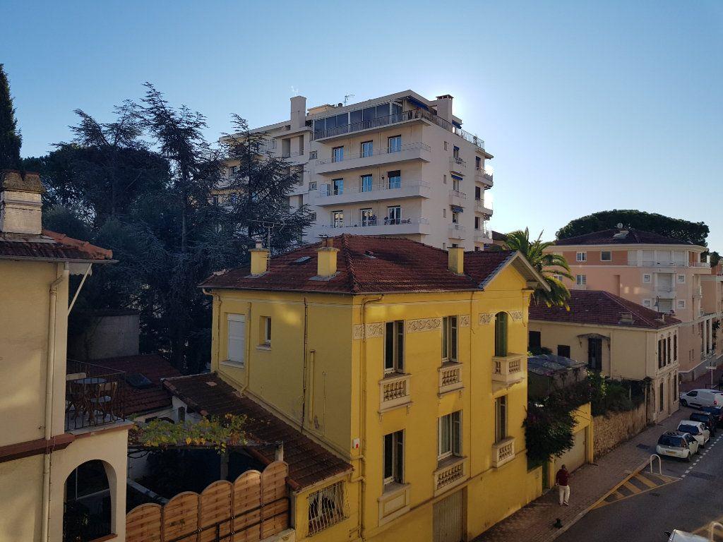 Appartement à louer 2 45.97m2 à Cannes vignette-10