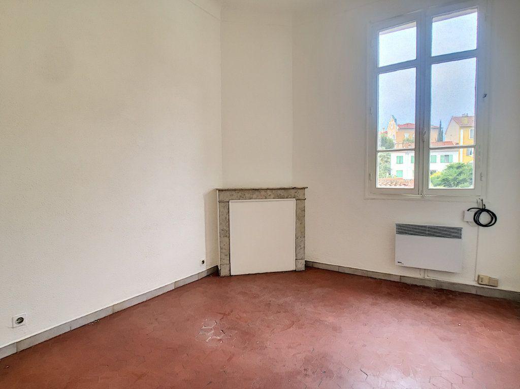 Appartement à louer 2 34.83m2 à Cannes vignette-1