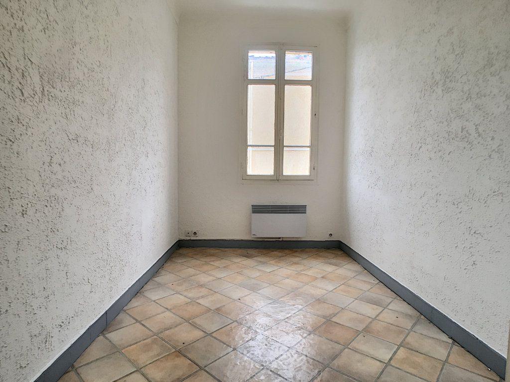 Appartement à louer 2 34.83m2 à Cannes vignette-4