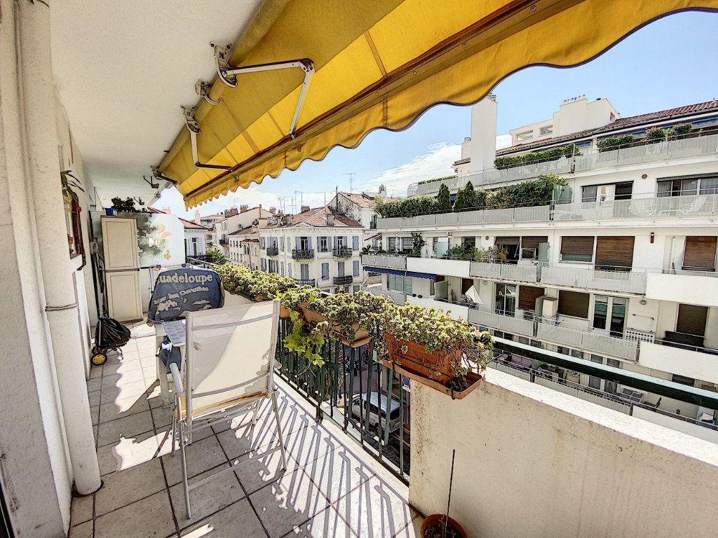 Appartement à vendre 2 54.22m2 à Cannes vignette-1