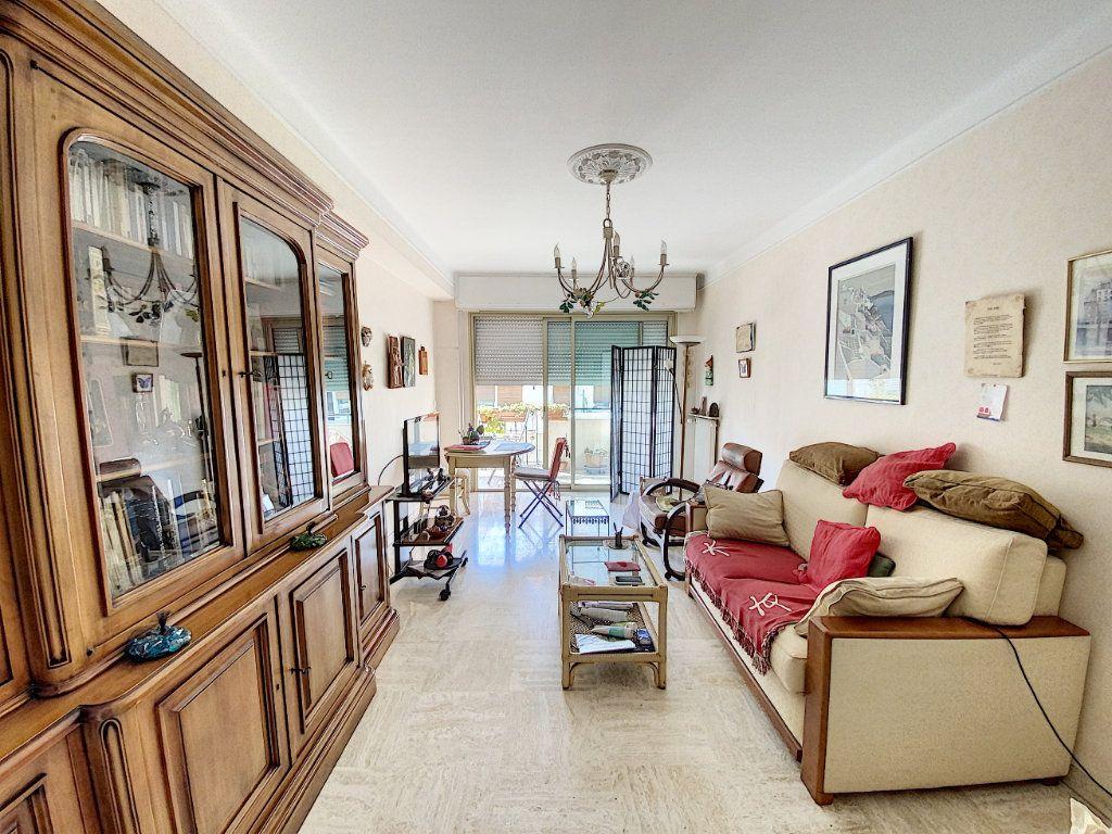 Appartement à vendre 2 54.22m2 à Cannes vignette-2