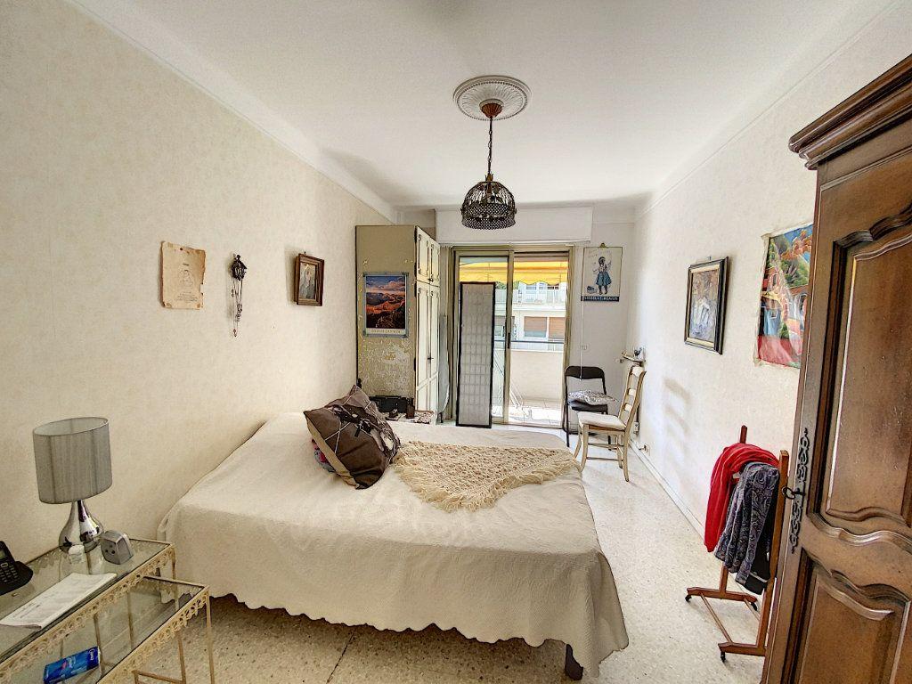Appartement à vendre 2 54.22m2 à Cannes vignette-5