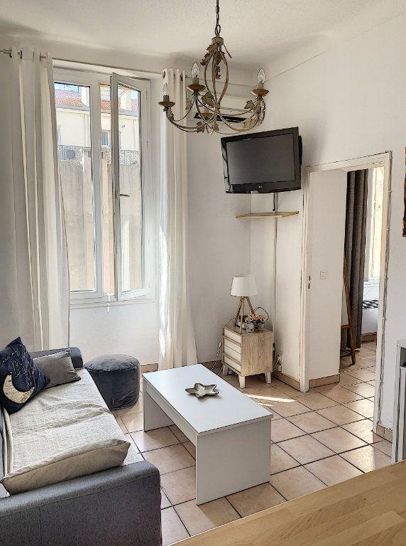 Appartement à vendre 2 28m2 à Cannes vignette-1