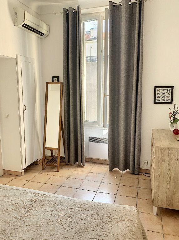 Appartement à vendre 2 28m2 à Cannes vignette-2