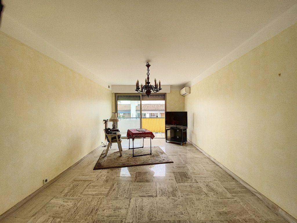 Appartement à vendre 3 76.14m2 à Cannes vignette-3
