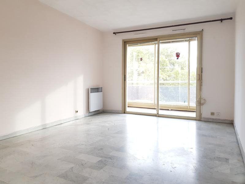 Appartement à louer 2 40.5m2 à Cannes vignette-2