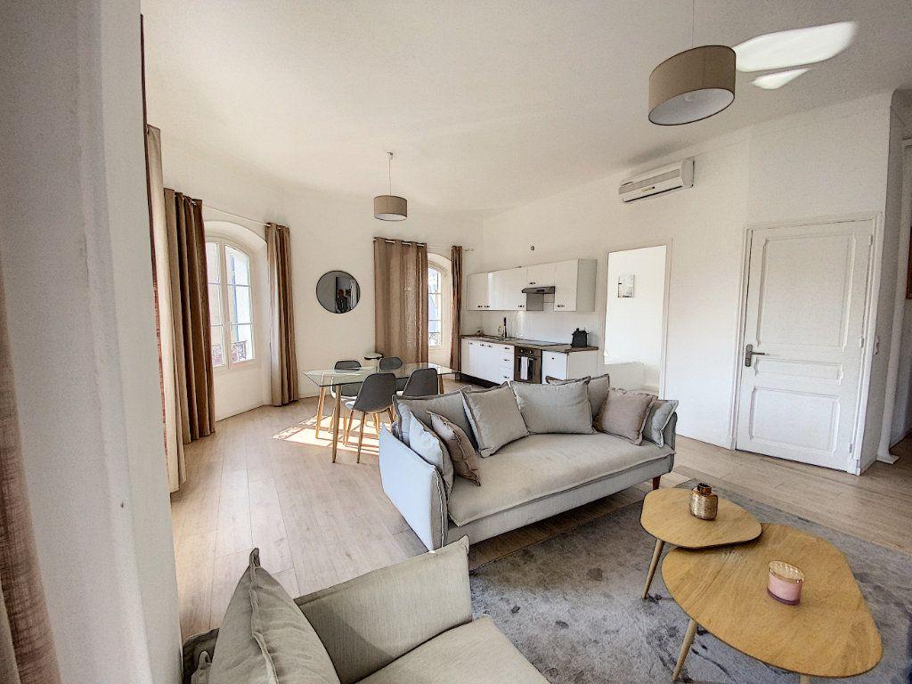 Appartement à vendre 4 91.4m2 à Cannes vignette-2