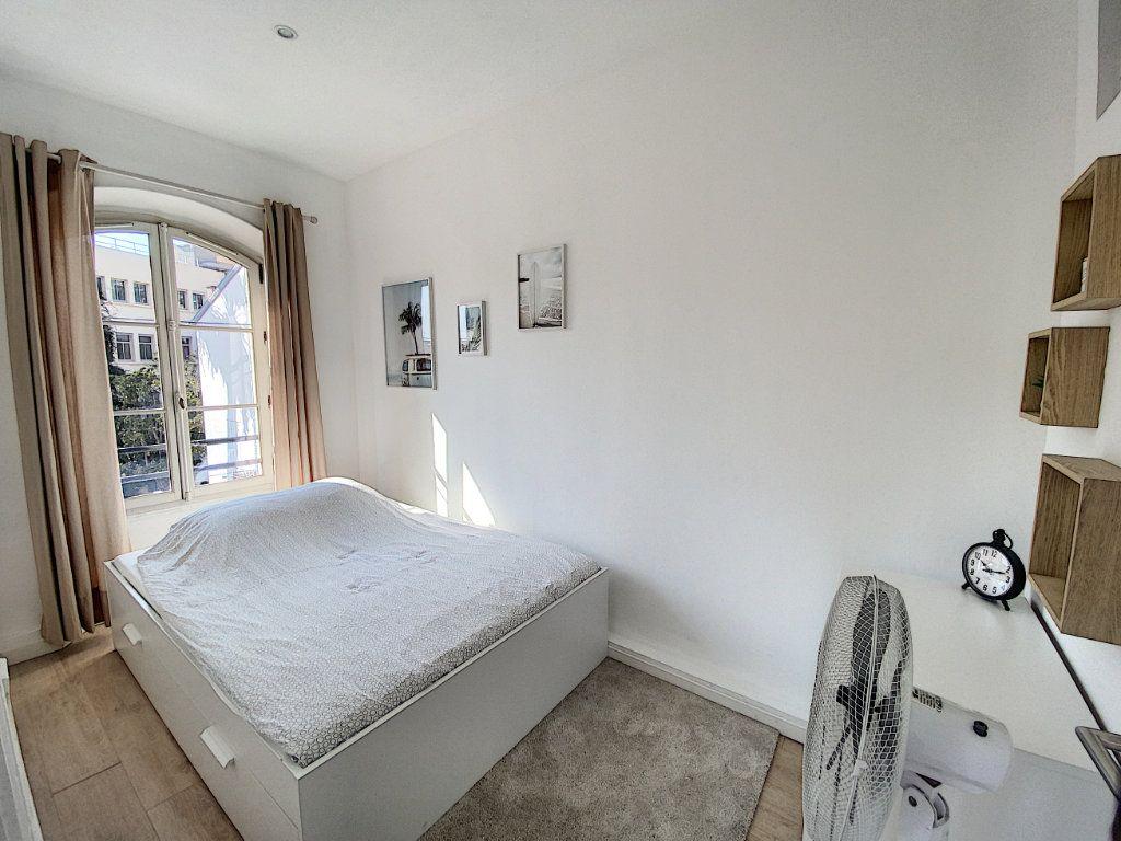 Appartement à vendre 4 91.4m2 à Cannes vignette-4